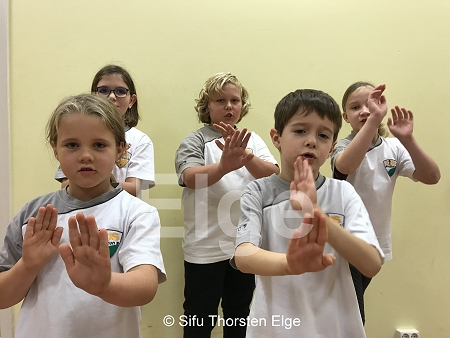 Die Kids beim WingTsun-Training